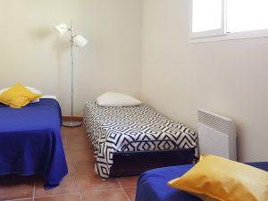 Les gites du cabardes chambre 3 lits simples